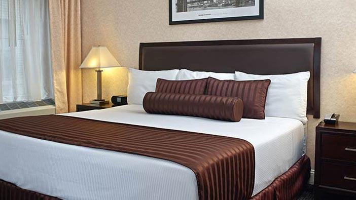 ADA King 1 Bedroom Suite of Hotel Edison Newyork