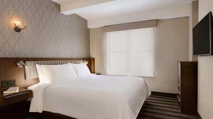 Signature 1 King Bed at Hotel Edison Newyork